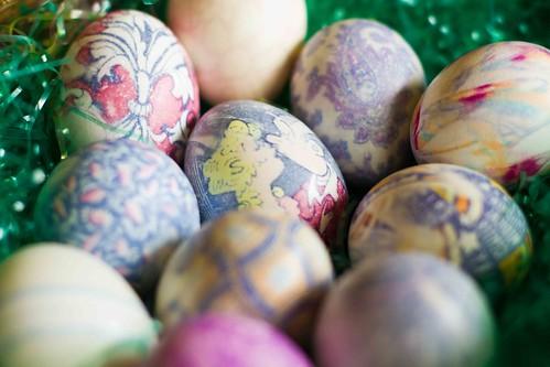 silk dying eggs