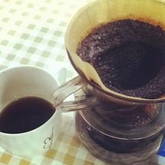 masala chai(0.0), espresso(1.0), cup(1.0), tea(1.0), coffee milk(1.0), coffee(1.0), coffee cup(1.0), turkish coffee(1.0), caff㨠americano(1.0), drink(1.0), caffeine(1.0),