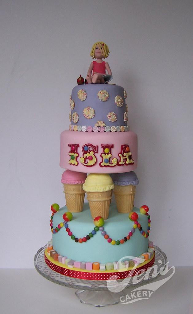 Isla's sweetie-land cake