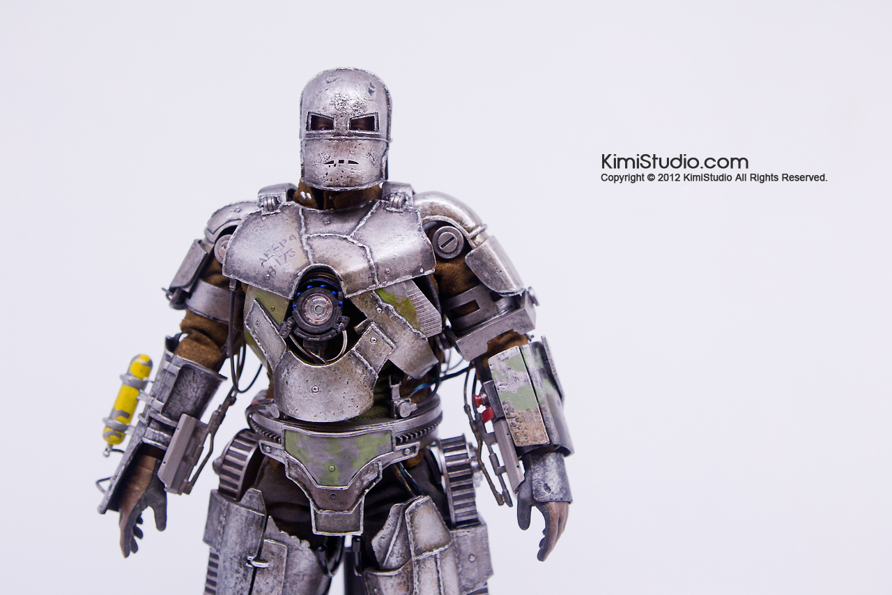 2011.11.12 HOT TOYS-048