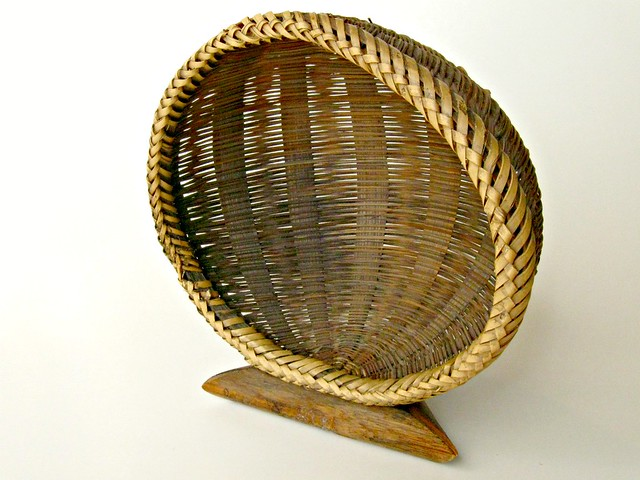 Handmade Pine Needle Baskets : Vintage handmade pine needle round basket flickr photo