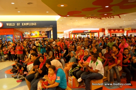 Ribuan hadirin di Tesco Prai