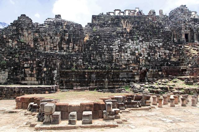 Reclining Buddha, back of Bapuon