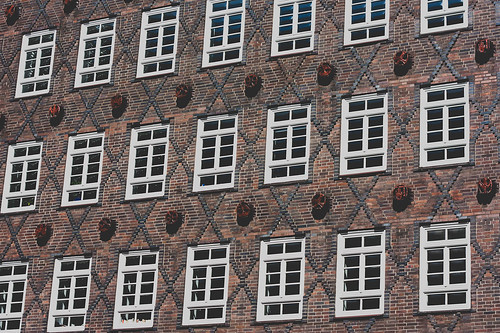 the windows of sprinkenhof