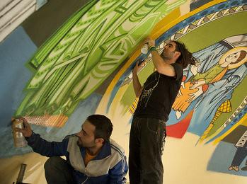 Grafiti-para-decorar-la-iglesi_54285532535_51311357716_350_260