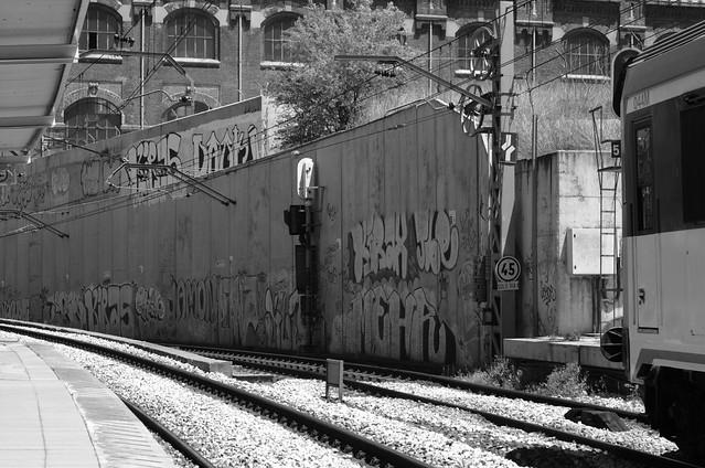 139/366: Graffiti en las vías