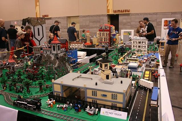Phoenix Comicon - Legos