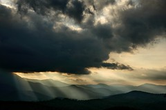 [フリー画像素材] 自然風景, 山, 雲, 暗雲, 薄明光線 ID:201206191200