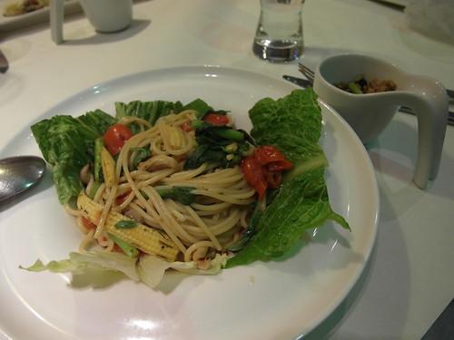 塔香鴻喜菇義大利麵