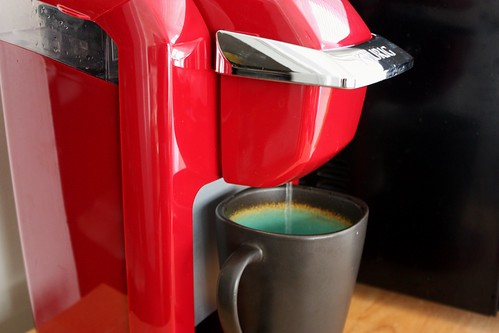 Coffee Maker Clean Light Blinking : How to Clean a Keurig Mini (and other instant coffee makers) - Life at Cloverhill