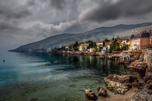 city blue sea beach water yellow architecture landscape coast town seaside waterfront outdoor gray coastal shore hr adria kroatien lovran kvarner primorskogoranskažupanija