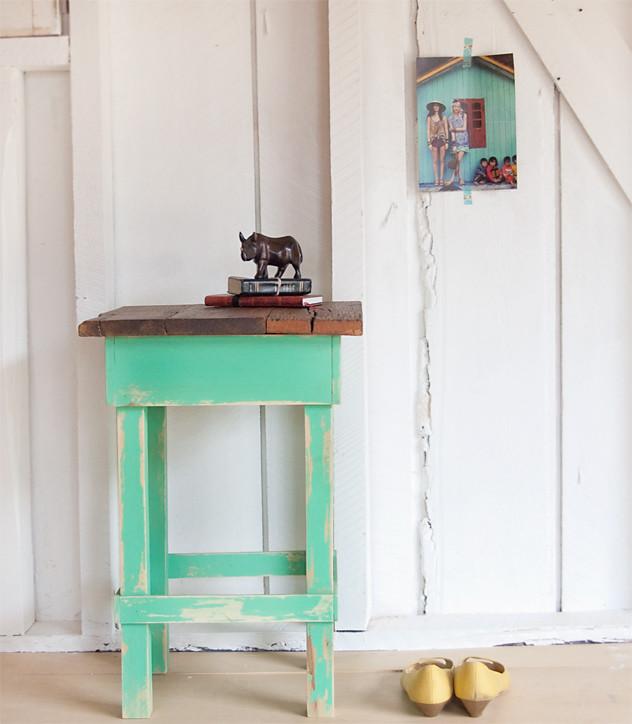 508-made minty side table
