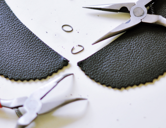 leather peter pan collar diy-3