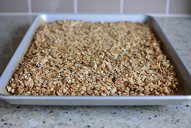 almond-coconut-granola-baked_2