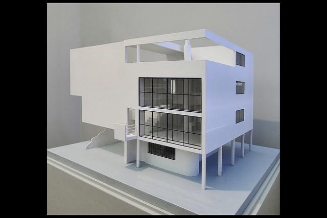 Plan maison citrohan maquette 01 1922 le corbusier for Maquette de maison