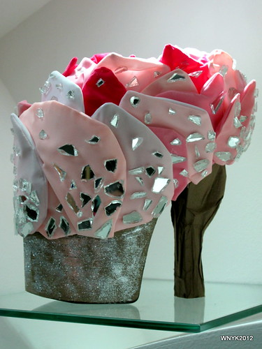 Shoe: Frozen Flower