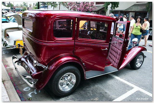1932 chevrolet 4 door sedan candyapple red rvr for 1932 chevy 4 door sedan