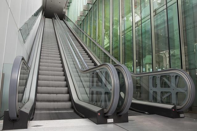 Escalator from the Paul Hamlyn Hall to the Amphitheatre Bar © ROH 2012