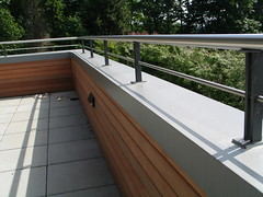 finished view of stainless steel railing system