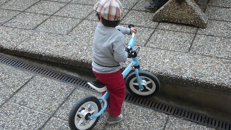 Bezbariérové prostředí nádvoří přálo i cyklistům. Foto: Adéla Procházková