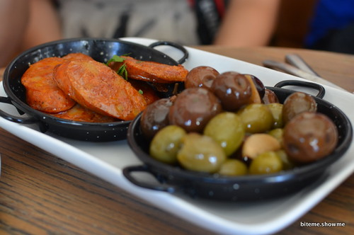 Coco Cubano - Grilled Chorizos with warmed Olives