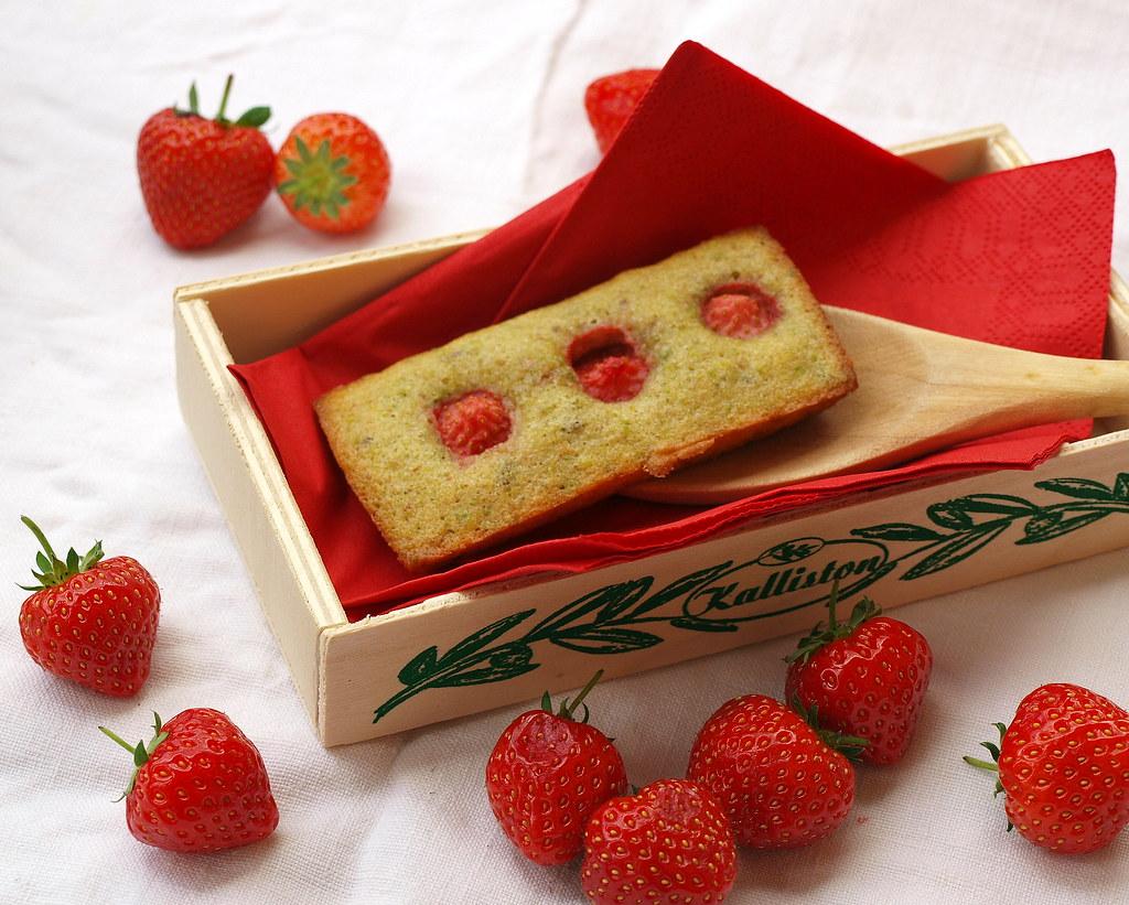 Erdbeer-Pistazien-Fiancier
