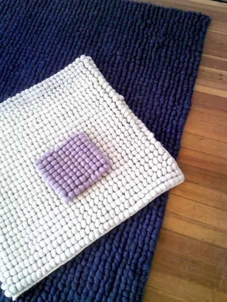 è bella_Pom Wool rug