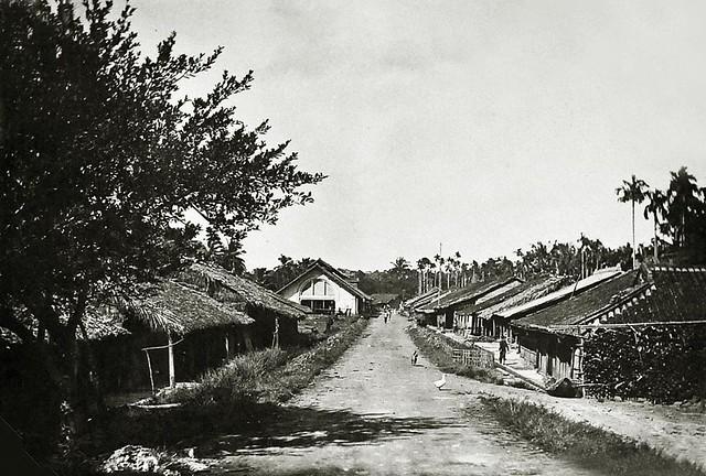 Saigon vers 1930 - Une rue à Go Vap - một con đường ở Gò Vấp