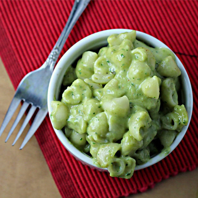 avocado mac and cheese, see more at http://homemaderecipes.com/cooking-101/11-unique-pasta-recipes/