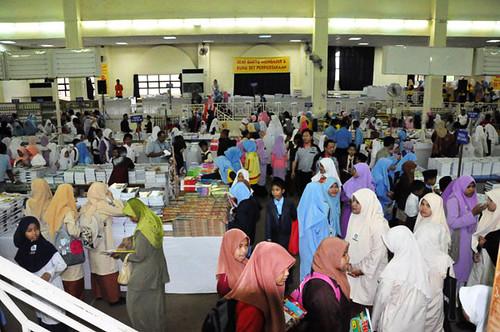 Suasana di Pesta Buku Kelantan 2011