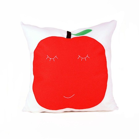 apple_pillow_ecofelt_kids_ekofabrik