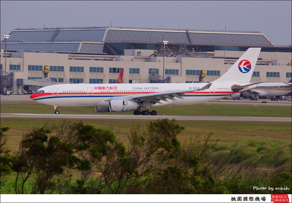 中國東方航空B-6122客機
