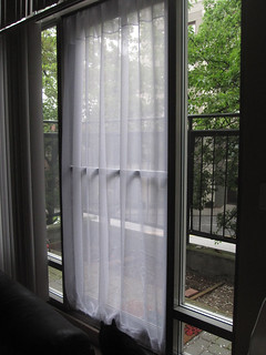DIY Screen Door For Renters