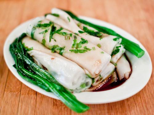 Cilantro rice noodle wraps