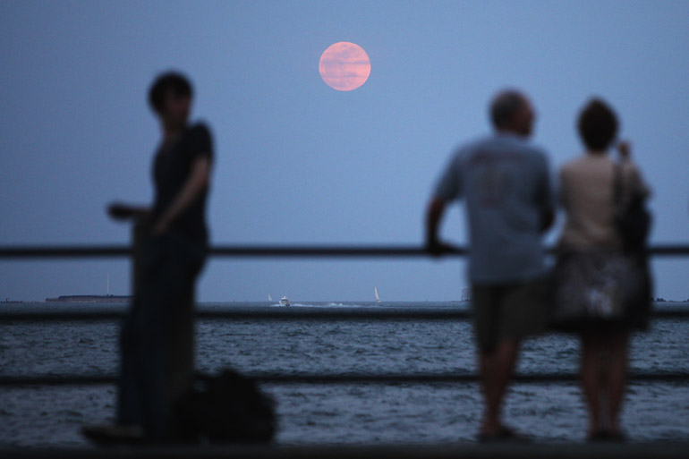 web_supermoon_battery_0161