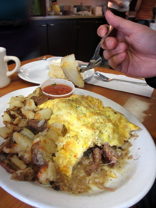 Hoover's green chile omelet