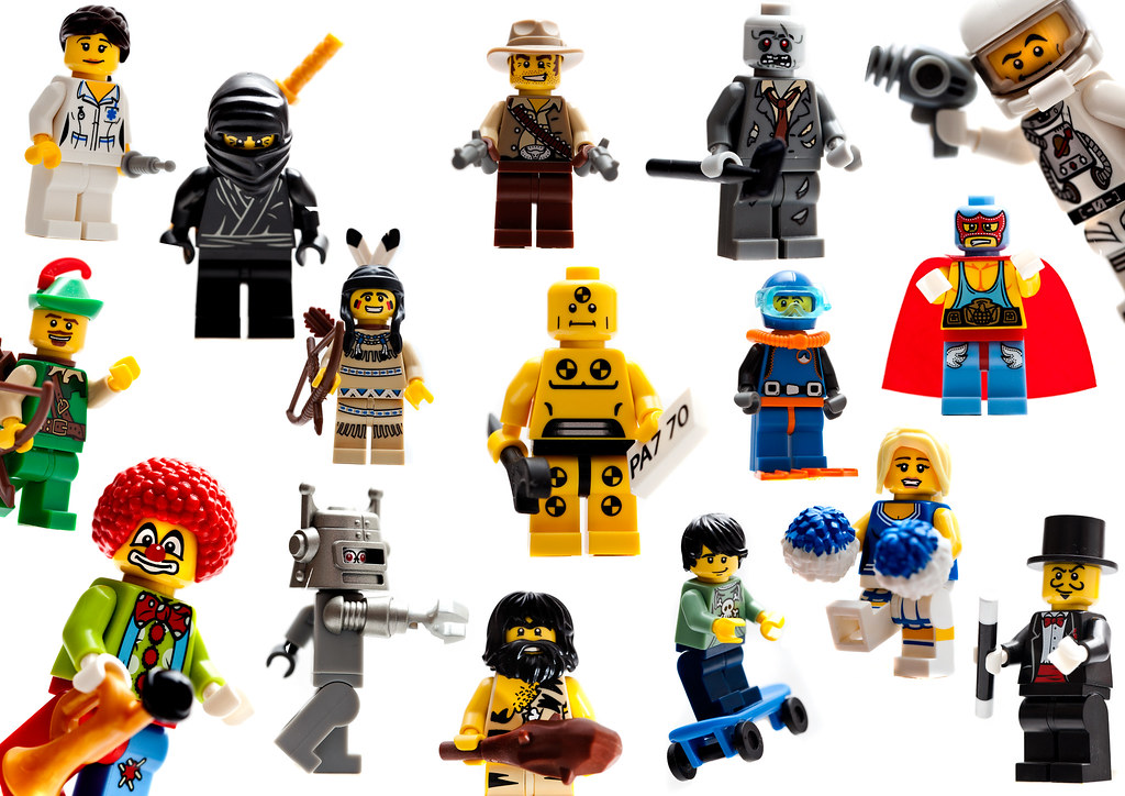 Lego collectable minifigures series 1