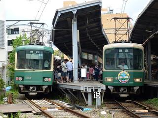 江ノ電1002F+1501Fと、江ノ電1502F+502F@鎌倉