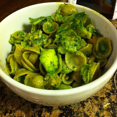 Orecchiette with spicy Italian chicken sausage, brussels, peas & pesto #wfd