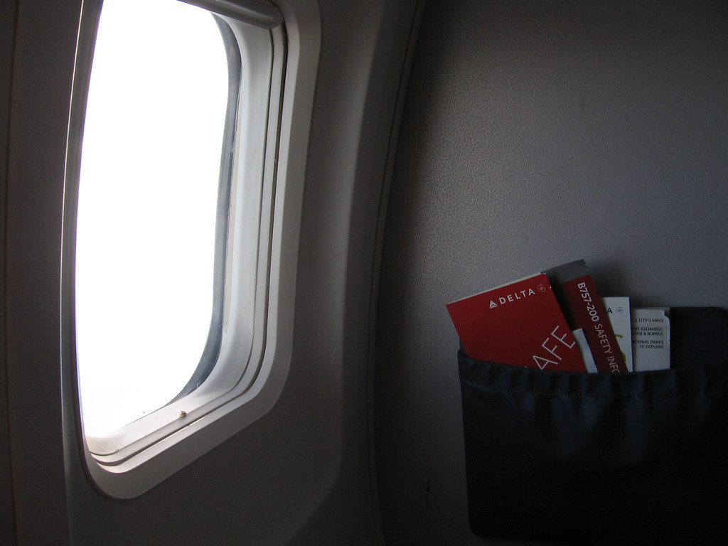 Remarkable Window Seat Lax Ogg The Window At My Seat With The Delta B Machost Co Dining Chair Design Ideas Machostcouk