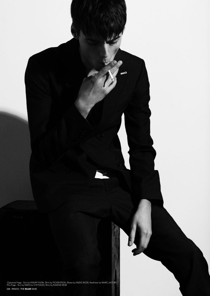 Robbie Wadge0497_FIASCO The Blue Issue