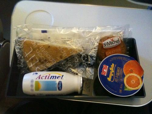 CDG-IAD snack