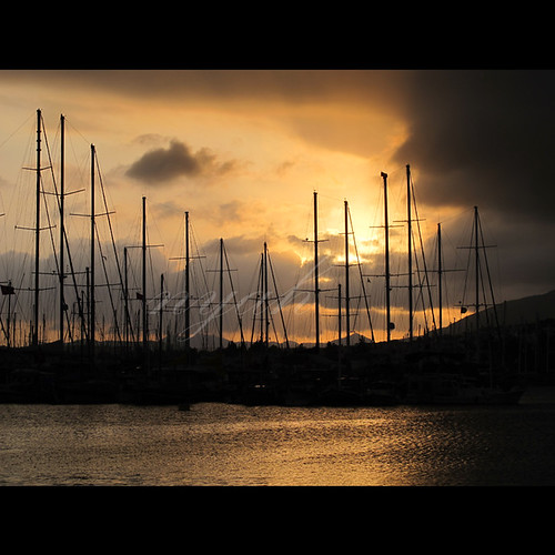 light sunset sea holiday water marina reflections turkey post ships türkiye silhouettes naturallight türkei posts bodrum