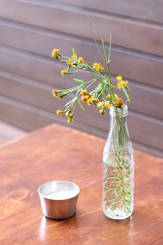 youeni_foodstore_surryhills_flowers