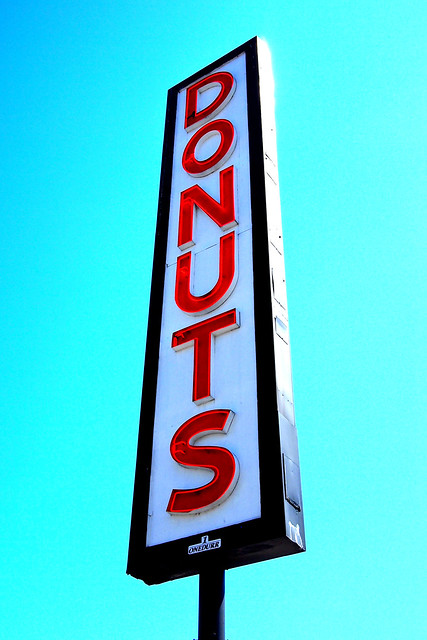 Neon donuts sign