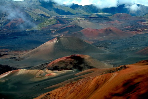 volcano hawaii day cloudy maui haleakala crater otherworldly reddirt bessknight powernature photocontesttnc12 knightimecreationsbybess caulderas yahoo:yourpictures=space yahoo:yourpictures=powernature