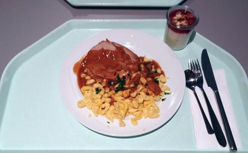 Putenrollbraten mit Waldpilzsauce & Knöpfle / Rolled turkey roast with mushroom sauce & spaetzle