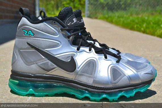 nike-air-max-griffey-fury-metallic-silver-new-green-available-05-570x379