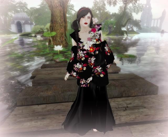 A bride. A kimono. And skulls.