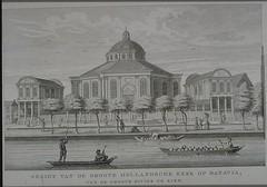 <p>Grote Hollandse Kerk in Batavia. Gravure naar een tekening van Johannes Rach (1871). Afbeelding: Geheugen van Nederland.</p>